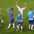 السويد تتعادل بالنيران الصديقة إيطاليا تفتتح مسيرتها بفوز رائع وأسبانيا تسيّطر دون إبداع { باريس – وكالات: حقق المنتخب الإيطالي فوزًا غاليًا على المنتخب البلجيكي بهدفين دون مقابل، في افتتاح […]