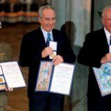 القدس –أ ف ب) – كان الرئيس الاسرائيلي السابق شيمون بيريز الذي توفي فجر الاربعاء عن 93 عاما بعد اسبوعين على اصابته بجلطة دماغية أحد ابرز مهندسي اتفاقات اوسلو للسلام […]